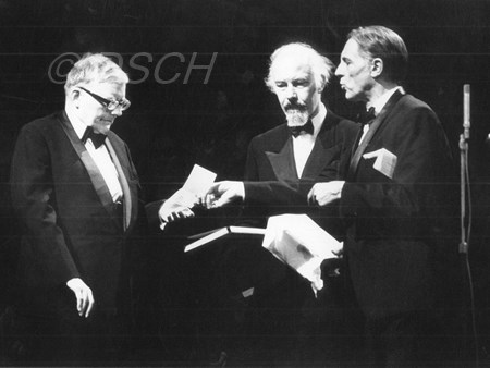 <p>Shostakovich is awarded the Leonie Sonning's Musik…</p>
