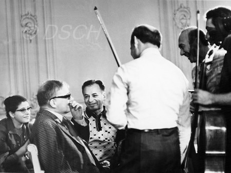 <p>With members of the Taneev Quartet, Vladimir Ovcha…</p>